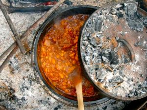 20110530-dutch-oven-chili-primary-thumb-625xauto-163162