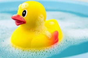 how-to-clean-bath-toys-rubber-duck