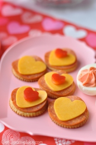 Easy-Valentines-Day-snack-ideas-for-kids