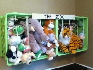 the-zoo-basket-on-wall-stuffed-animals